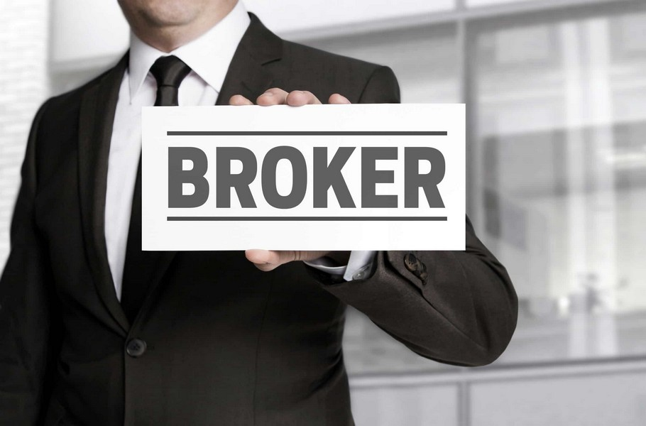 Broker là gì?  Công việc và Vai trò những broker là gì ?